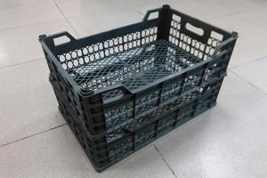 Пластиковые ящики из-под фруктов