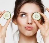 Увлажнение кожи лица огурцами