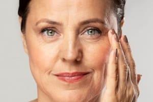 Как увлажнить кожу лица после 40?
