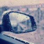 Запотевают боковые зеркала при дожде в машине